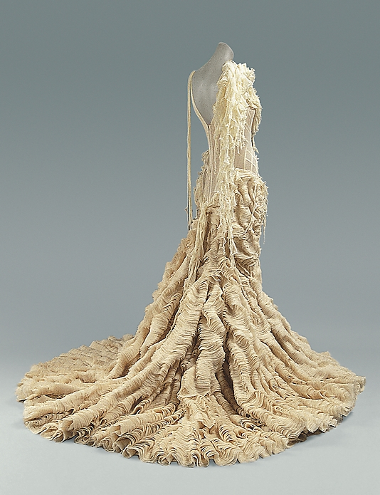 100 Dresses From The Costume Institute The Metropolitan Museum Of Art Mrs Julien Presents